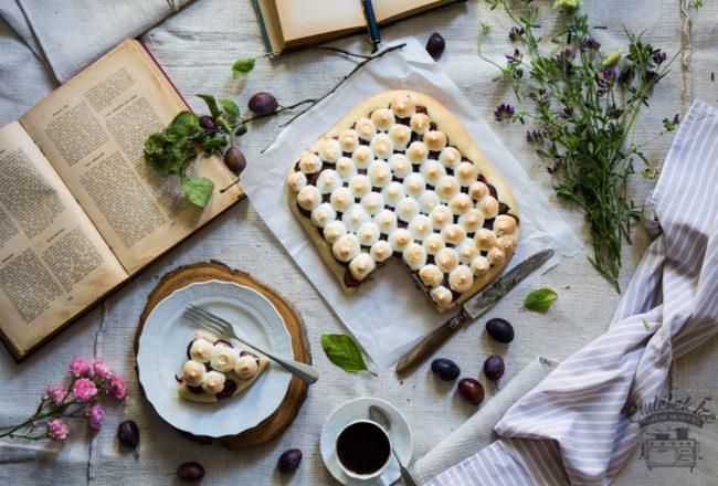 plum pie recipe from the Taste of Memories countryside kitchen www.taste-of-memories.com